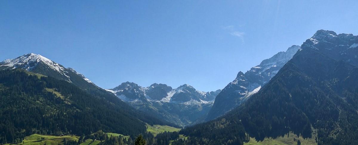 Herrlicher Blick von unserer Terrasse ins Wildental